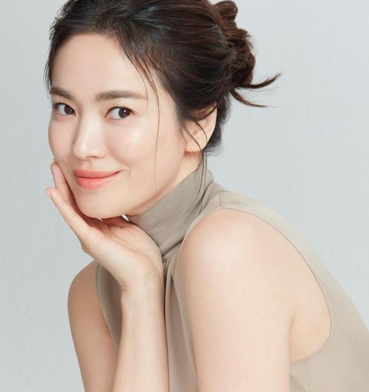 เปิดลิสต์นักแสดงเกาหลีขึ้นแท่นแบรนด์แอมบาสเดอร์บิ้วตี้ชื่อดัง
