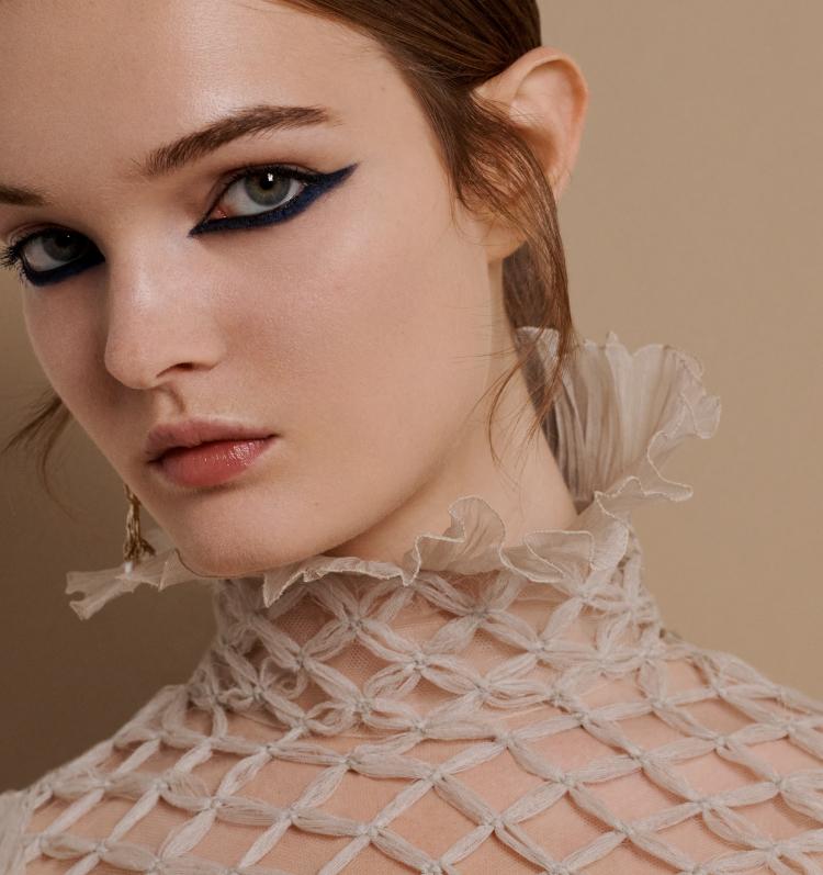เทคนิคแต่งหน้าตามลุคโอตกูตูร์คอลเล็กชั่นล่าสุดจาก Dior