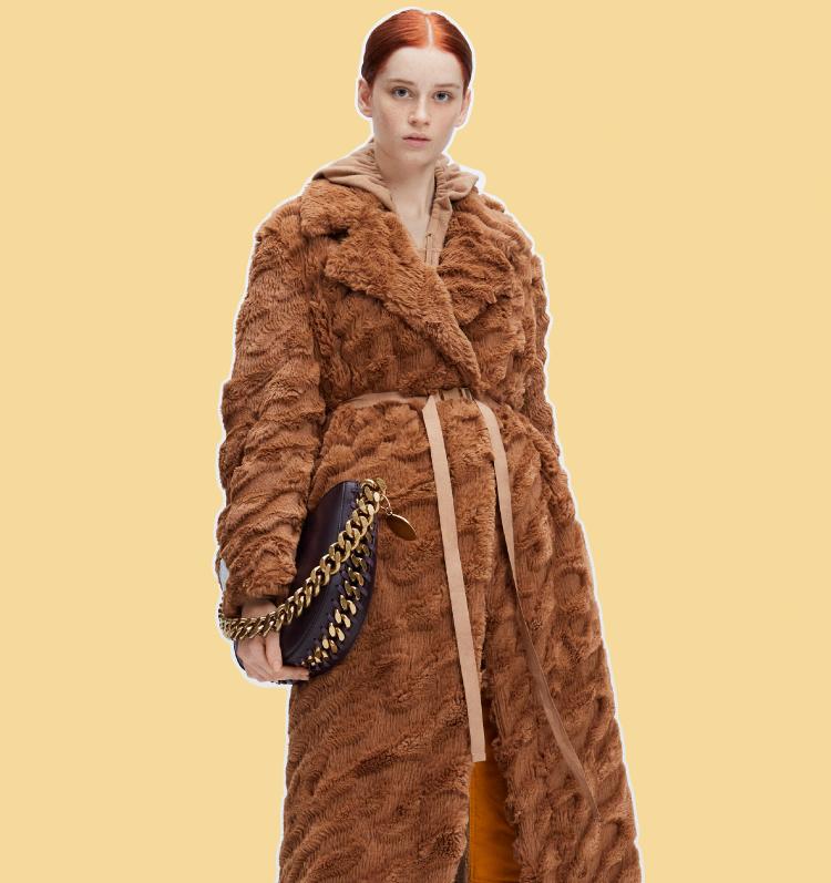 ทำความรู้จักกระเป๋าวีแกนรักษ์โลกรุ่นใหม่ จาก Stella McCartney